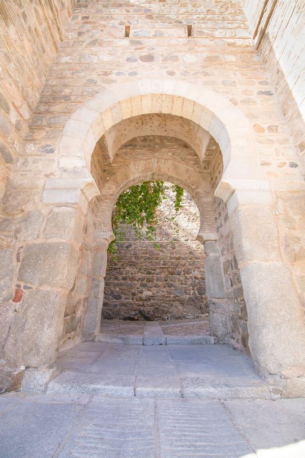 Détail de porte d'Alcantara d'Arabe dans la ville de Toledo photo libre de droits