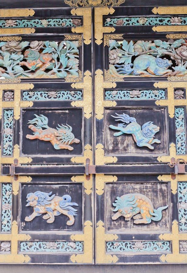 Détail de porte de Karamon de temple de Nishi Hongan-JI dans Kyto, Japon photographie stock libre de droits
