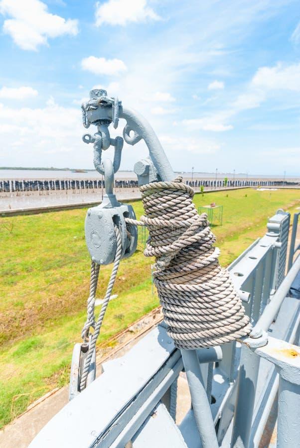 Détail de poulies et de cordes de voilier photographie stock