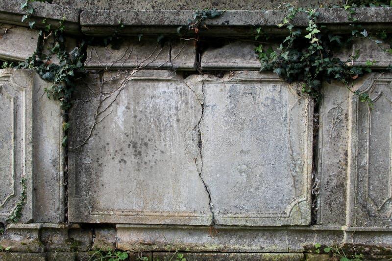 Détail de vieille pierre tombale photo stock