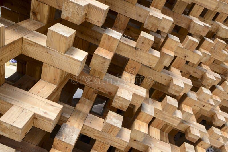 Détail des joints en bois au pavillon du Japon, EXPO Milan 2015 photos libres de droits