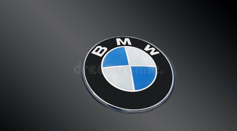 Détail du conduit d'un logo de BMW sur le gris photos libres de droits