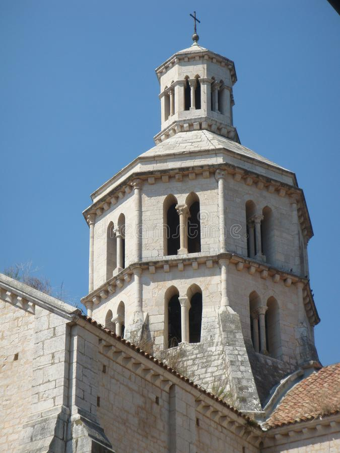 Détail du revêtement de dôme de l'abbaye de Fossanova dans Latium en Italie photographie stock