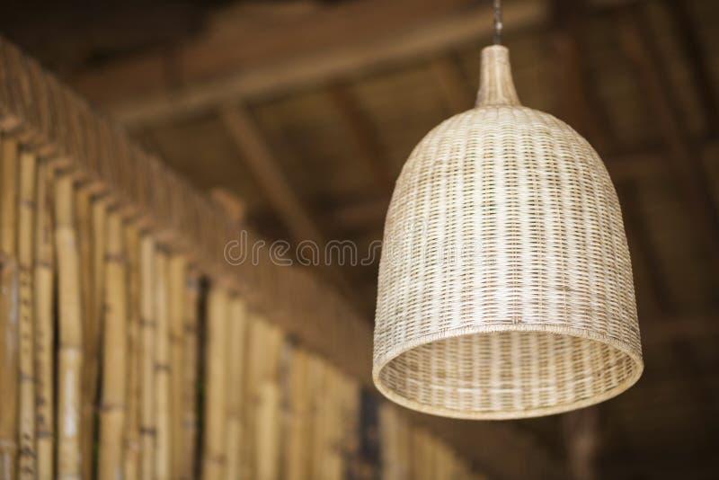 Détail en bambou naturel d'abat-jour de conception intérieure photographie stock