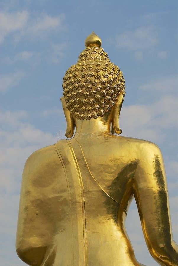 Détail extérieur de la statue d'or de Bouddha dans la concession Ruak, Chiang Mai, Thaïlande d'interdiction image libre de droits