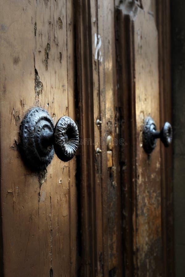 Download Détail Médiéval Médiéval De Poignée De Porte Sur Les Portes En  Bois Antiques Avec La