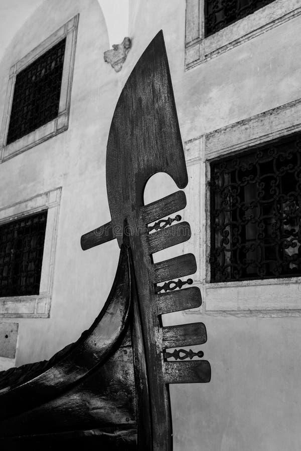 Détail noir et blanc de gondole ferro photo stock