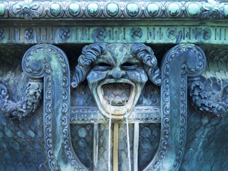 Détail sur la fontaine images stock