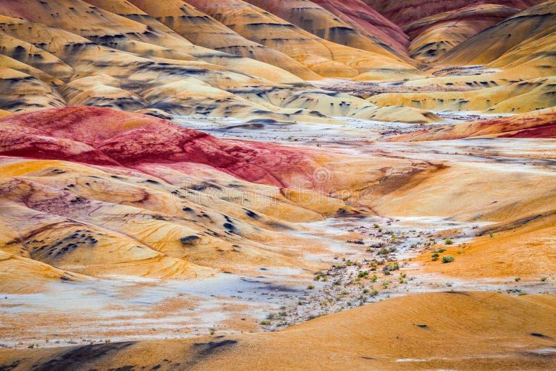 Détaillez l'image des collines colorées d'argile dans les collines peintes de photo libre de droits