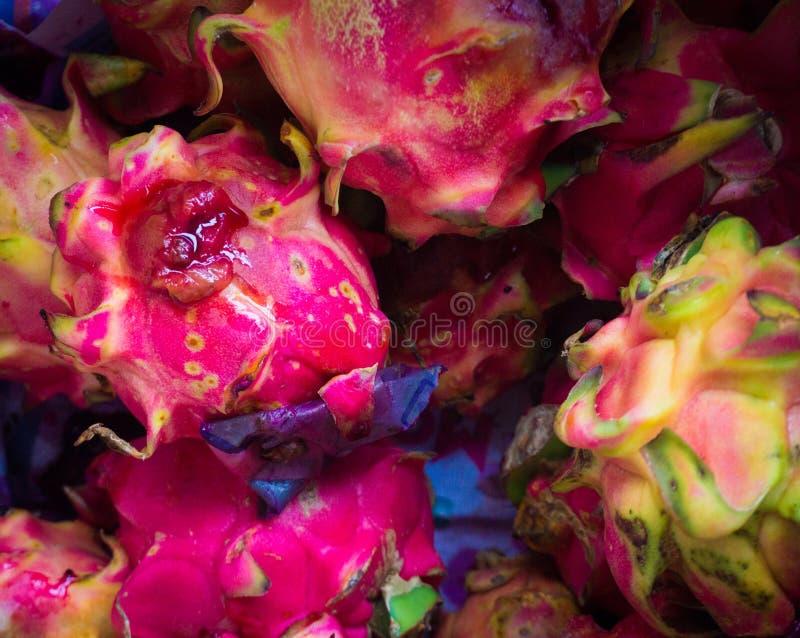 Détaillez la peau du fruit du dragon rouge Bogor rentré par photo Indonésie photo libre de droits