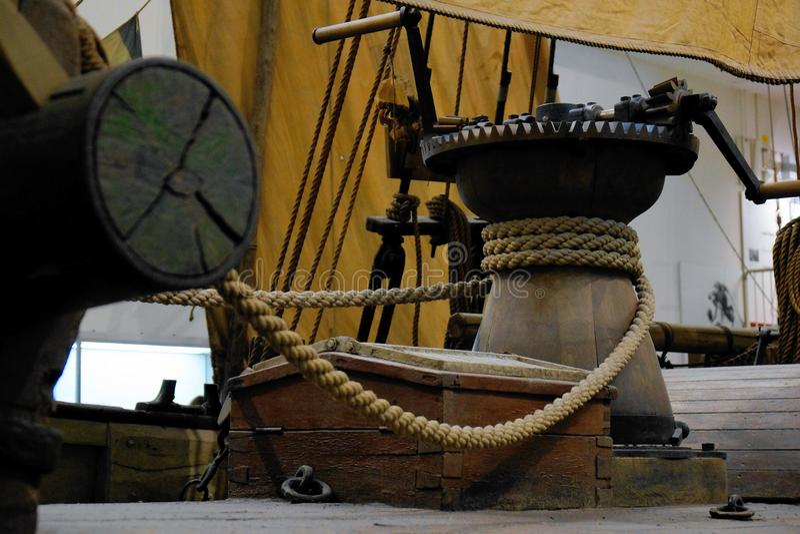 Détails d'ancre antique de bateau à voile image stock