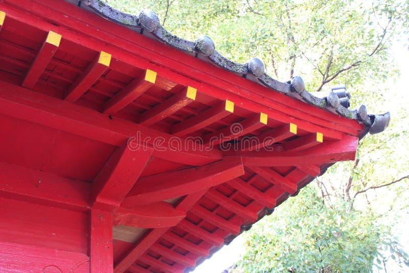 Détails d'une architecture japonaise traditionnelle de tombeau photo libre de droits
