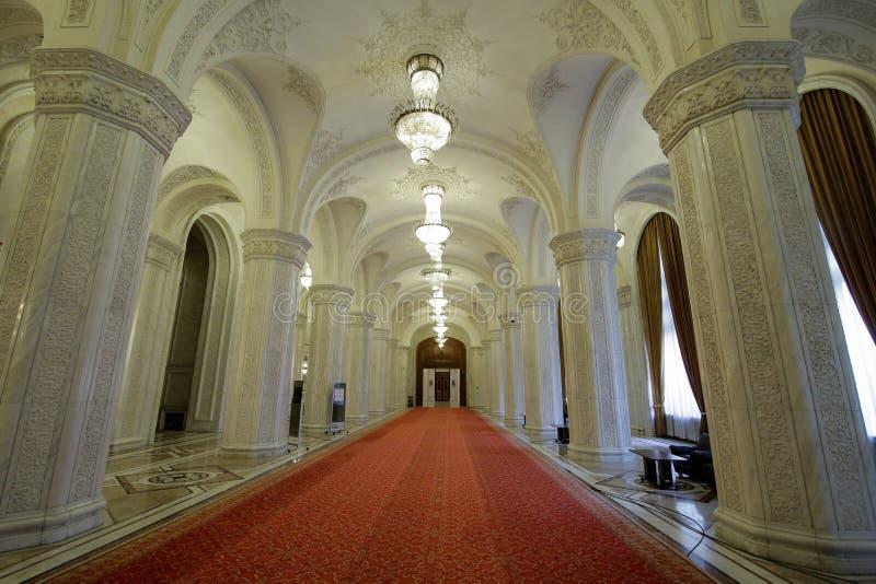 Détails de l'intérieur du palais roumain du Parlement photo stock