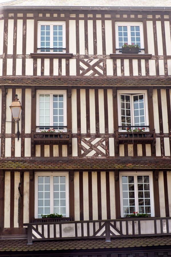 Détails de maison à colombage type en Normandie photo stock