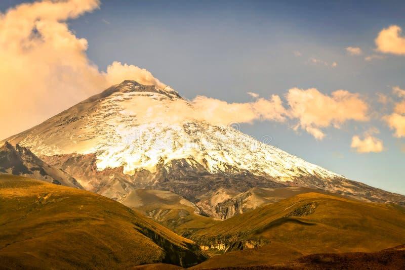 Détails de pousser Ash Cloud On Volcanic Eruption photographie stock