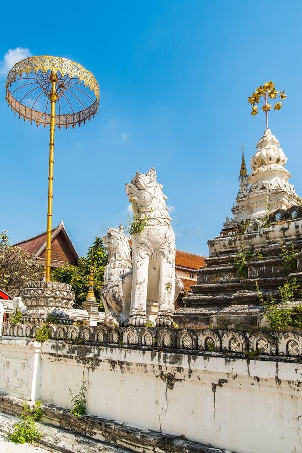 Détails de stupa au temple de Wat Saen Fang en Chiang Mai, Thaïlande images libres de droits
