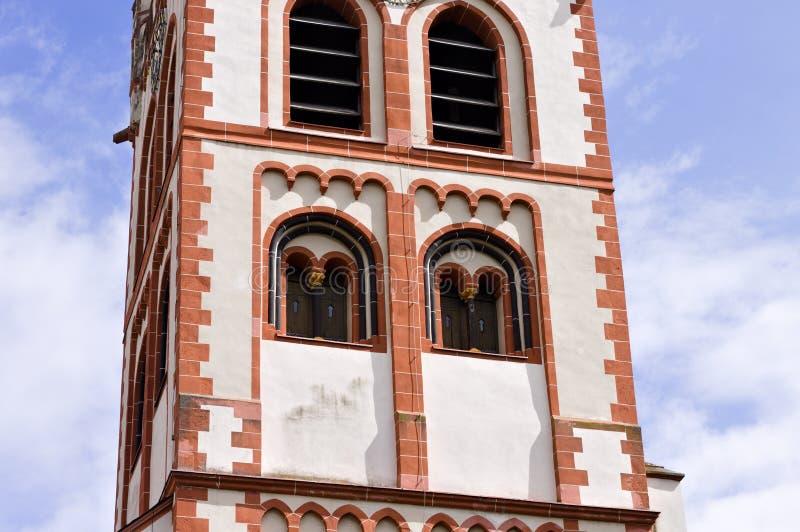 Détails de tour de Bell et de tour d'horloge d'une église gothique évangélique Bacharach image libre de droits