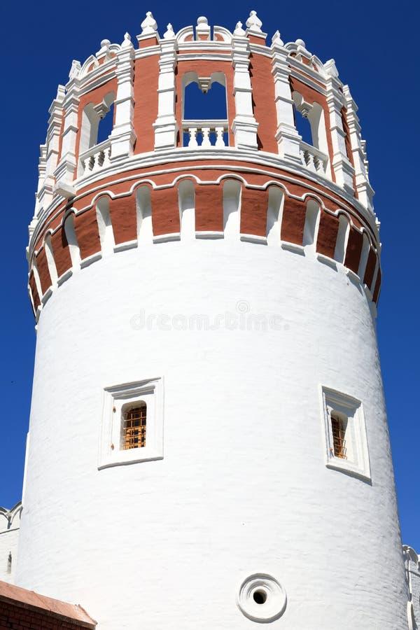 Détails de tour de couvent de Novodevichy photos stock