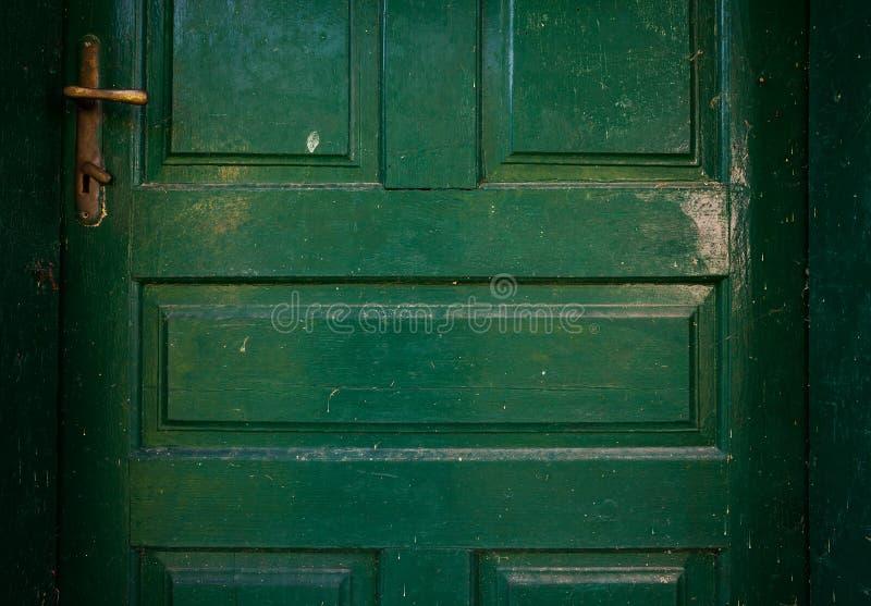 Détails de vieilles portes en bois vertes images libres de droits