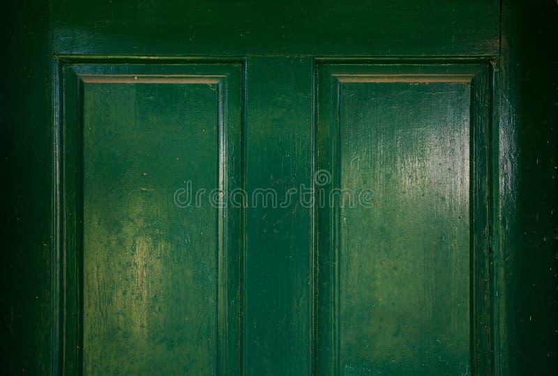 Détails de vieilles portes en bois vertes photos stock