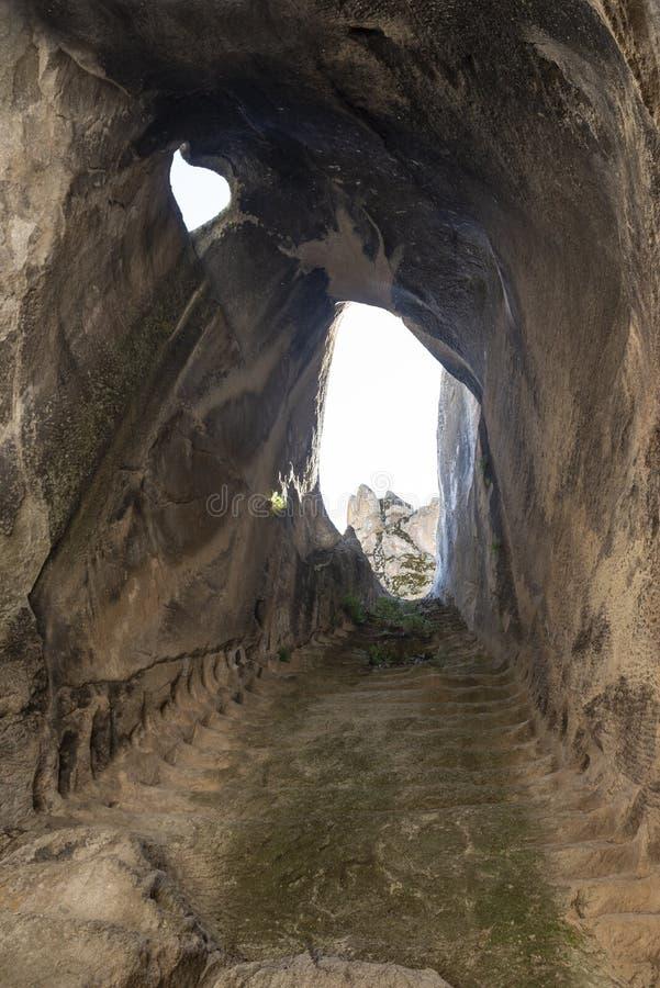 détails magnifiques des passages secrets romains image stock