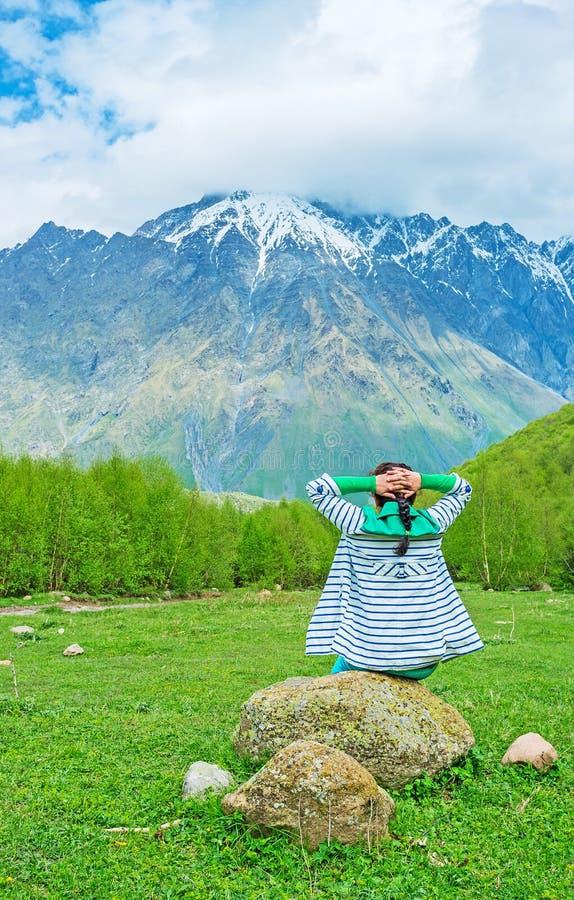 Détendez en montagnes photo libre de droits