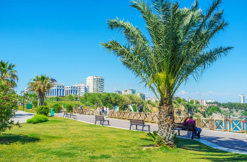 Détendez en parc de Duden, Antalya, Turquie images libres de droits