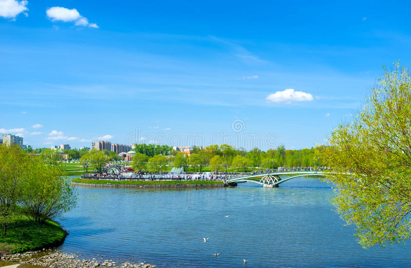 Détendez en parc de Tsaritsyno photo stock