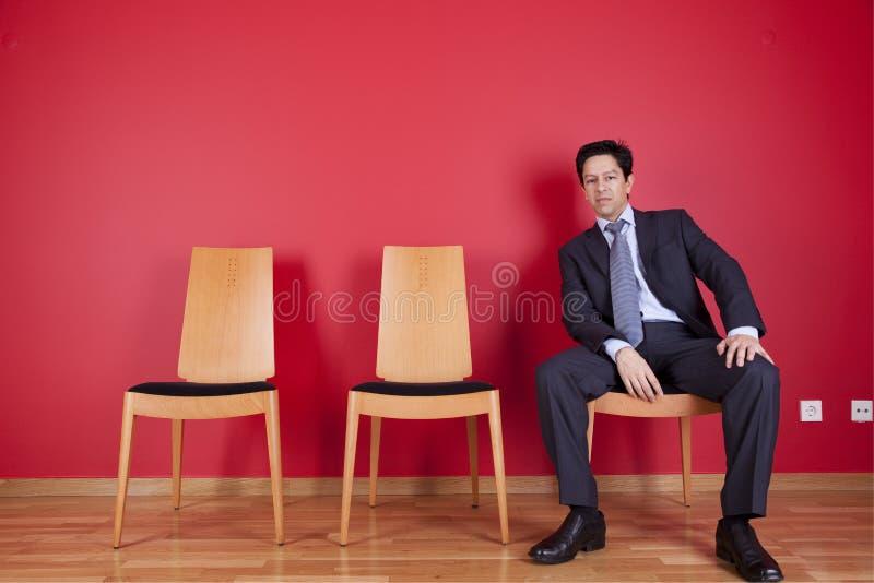 Détente d'homme d'affaires images stock