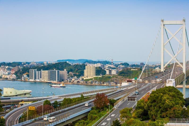 Détroit de Kanmon et pont de Kanmonkyo : Le pont de Kanmonkyo relie Honshu et Kyushu au Japon images libres de droits