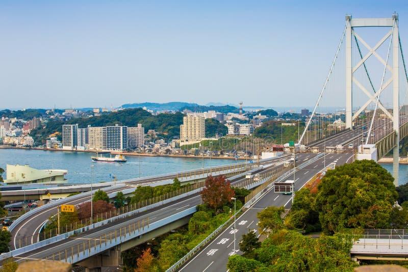 Détroit de Kanmon et pont de Kanmonkyo : Le pont de Kanmonkyo relie Honshu et Kyushu au Japon photos libres de droits