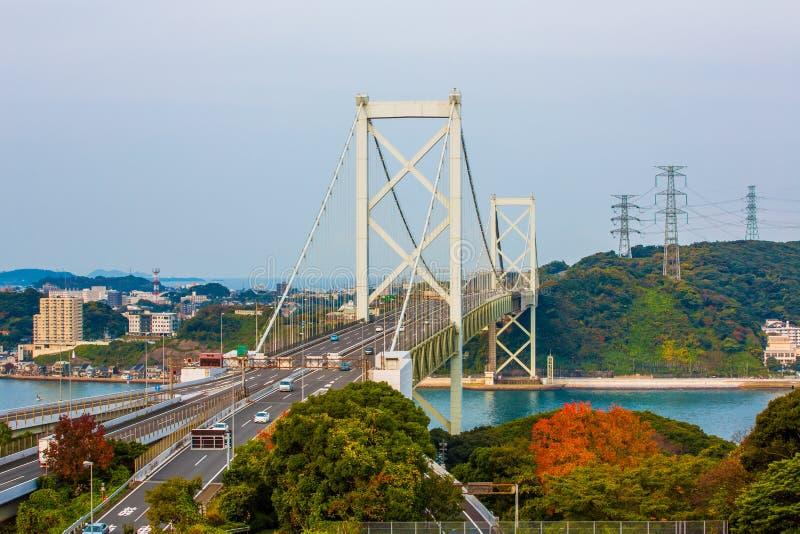 Détroit de Kanmon et pont de Kanmonkyo : Le pont de Kanmonkyo relie Honshu et Kyushu au Japon image libre de droits