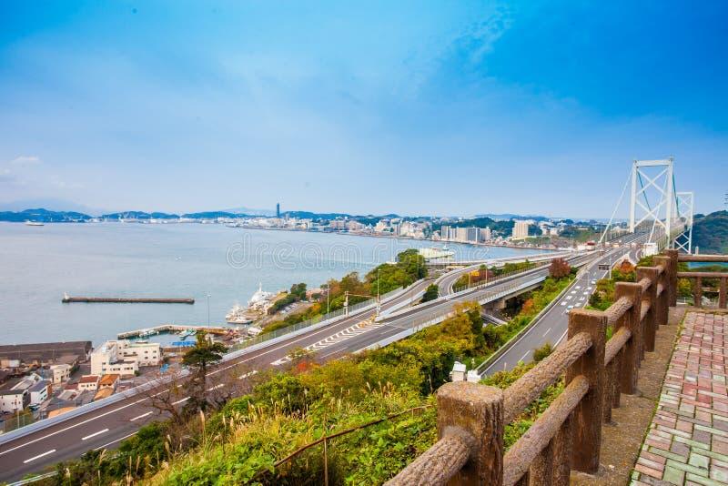 Détroit de Kanmon et pont de Kanmonkyo : Le pont de Kanmonkyo relie Honshu et Kyushu au Japon photo stock