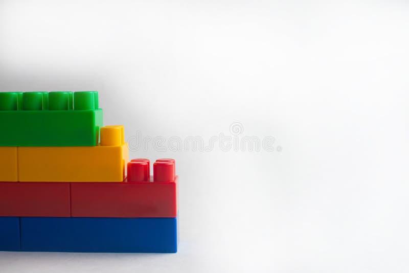 Développement d'enfants, blocs constitutifs et construction images libres de droits