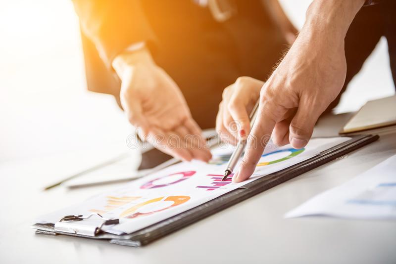Développement personnel, entraînement et cours de formation pour le travail d'équipe d'affaires image stock