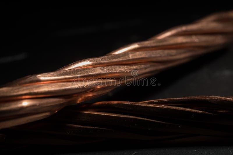 Développement rouge d'industrie de câblage cuivre photographie stock libre de droits