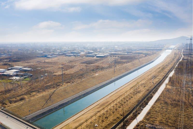 Déviation de l'eau de Sud-à-nord photos libres de droits