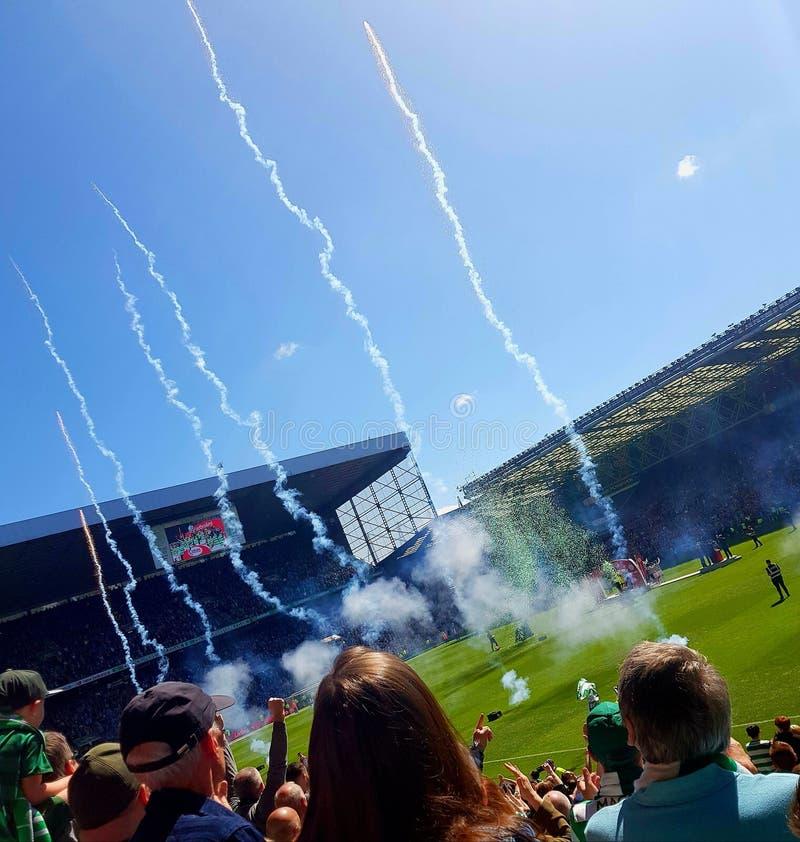 Día caliente, partido de fútbol imagen de archivo libre de regalías