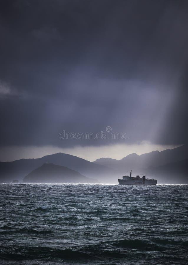 Día cambiante tempestuoso en Piombino imagen de archivo