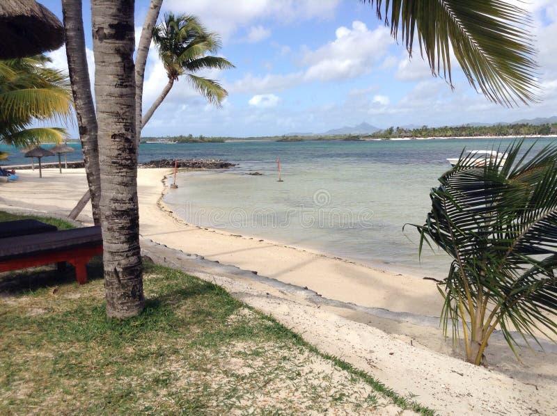 Día claro de la playa imagenes de archivo