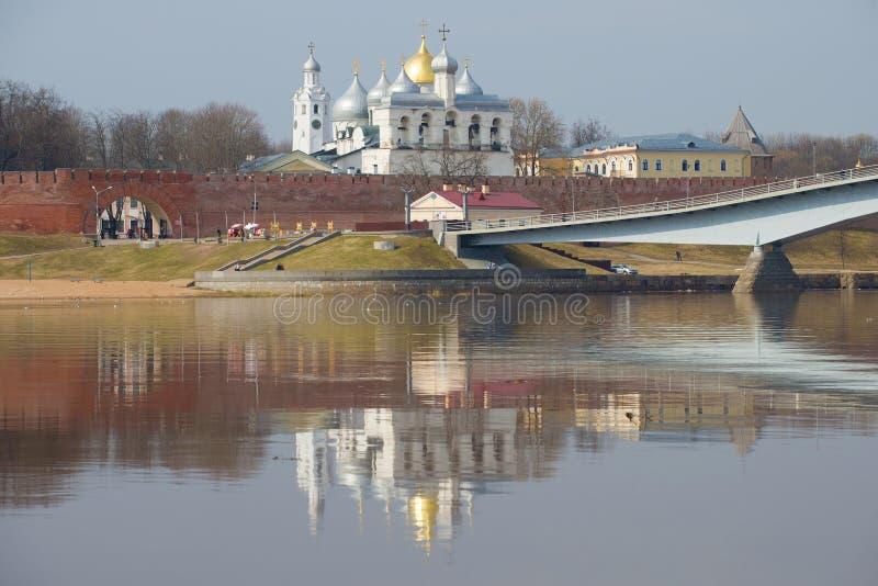Día de abril en las paredes del Novgorod el Kremlin Veliky Novgorod, Rusia fotografía de archivo libre de regalías