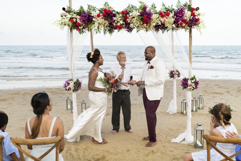 Día de boda afroamericano del ` s de los pares fotos de archivo