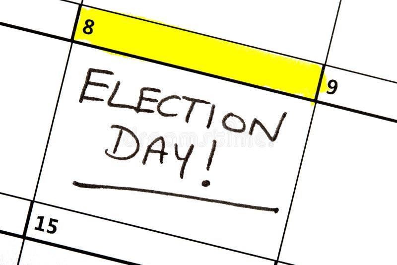 Día de elección destacado en un calendario imágenes de archivo libres de regalías