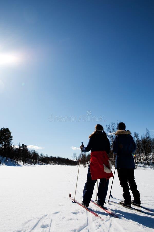 Día de fiesta del esquí del invierno imagenes de archivo
