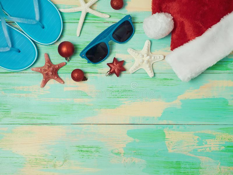 Día de fiesta de la Navidad en el concepto de la playa fotografía de archivo