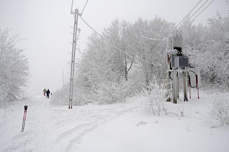 Día de invierno brillante en las montañas fotos de archivo libres de regalías