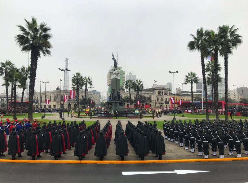 Día de la bandera peruano, plaza Francisco Bolognesi imagenes de archivo