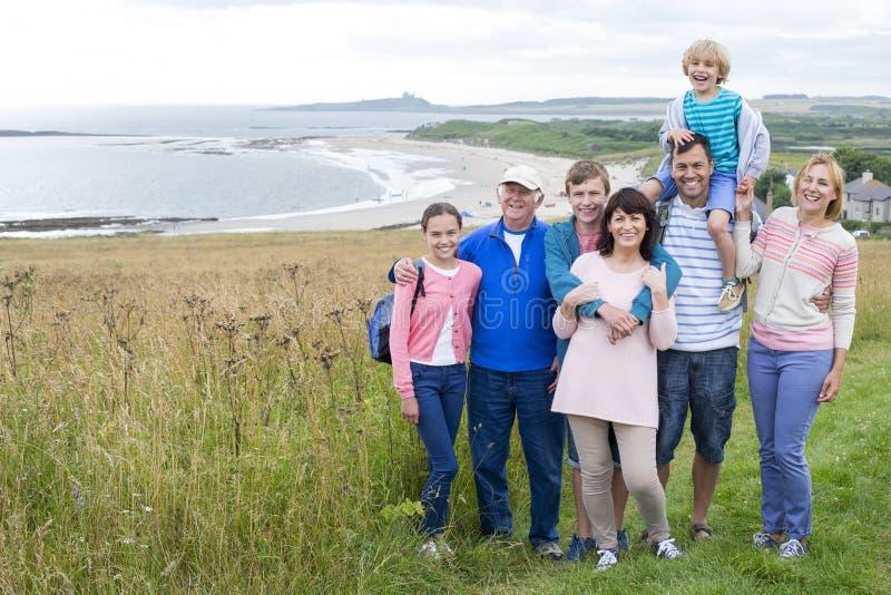 Día de la familia en la playa imágenes de archivo libres de regalías