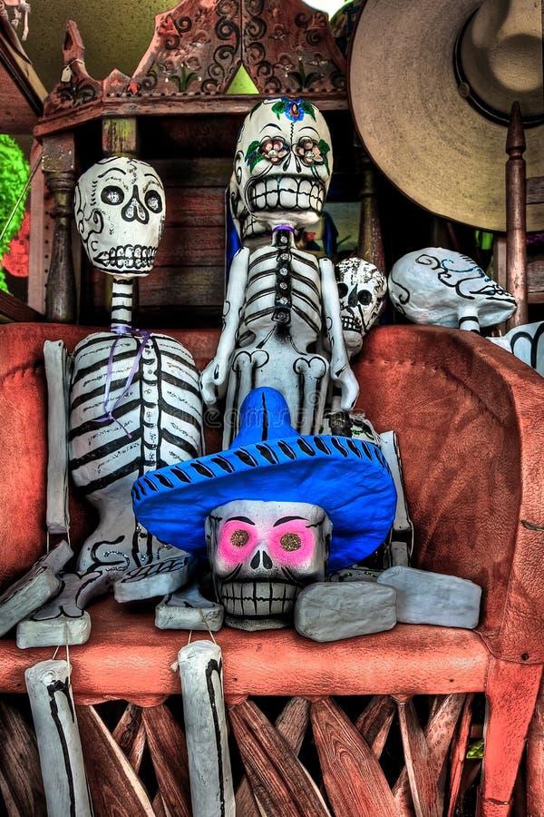 Día de las figuras muertas del esqueleto de la celebración imágenes de archivo libres de regalías