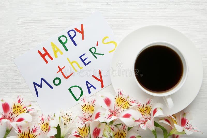 Día de madres feliz de la tarjeta de felicitación imagenes de archivo